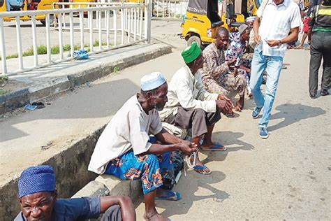 A state official in charge of youth and social development told journalists that beggars on the streets were a nuisance to law-abiding citizens.