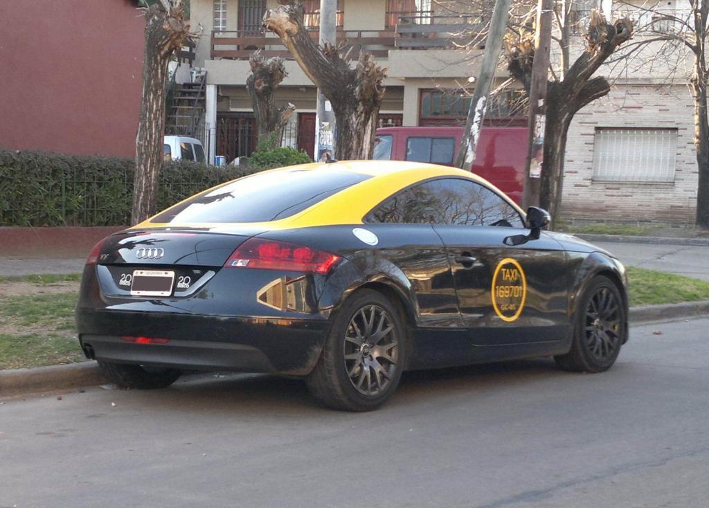Audi TT Taxi