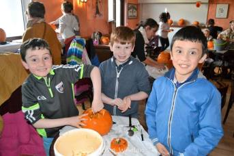 pumpkin-carving-competition-2016-41