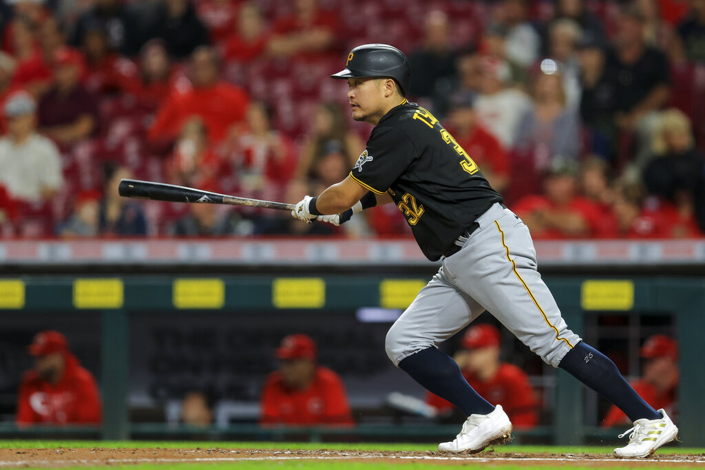 Votto power surge leads Reds rally for 9-5 win over Pirates