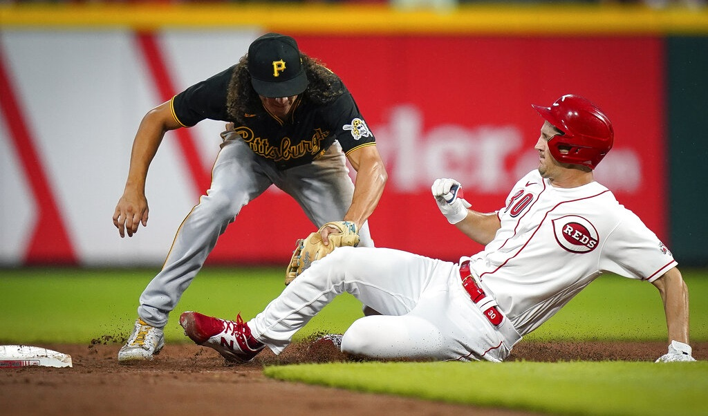 Pirates deliver blow to Reds' fading playoff chances