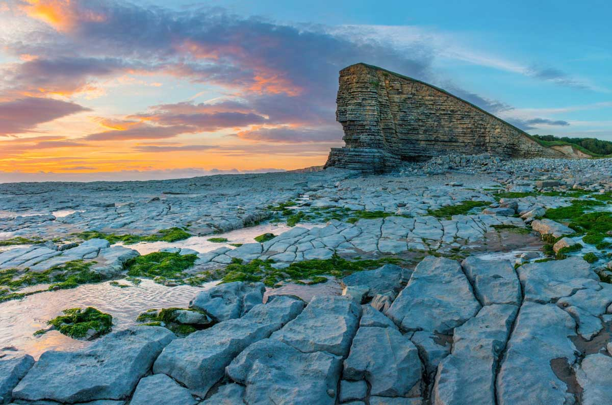 Nash Point, Glamorgan by Alan Beattie