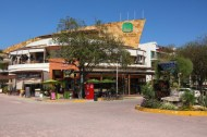This plaza currently marks the north end of La Quinta, It offers restaurants, cafes, music and bars