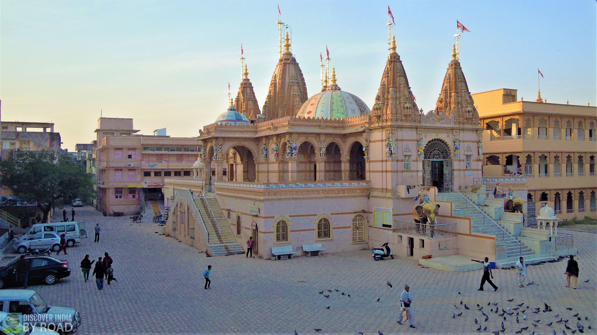 Morning view of Old Swaminarayan Mandir, Junagadh