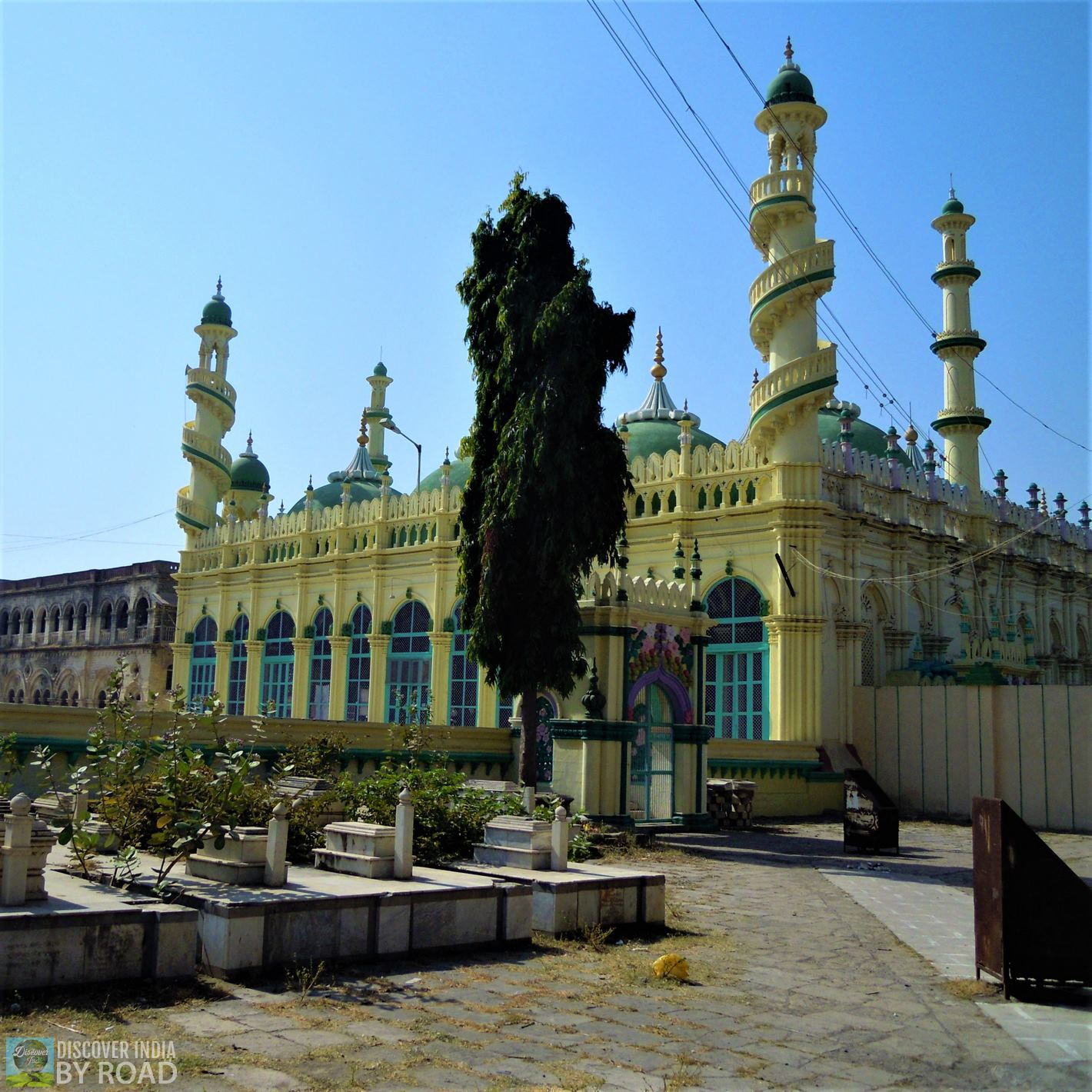Yellow Jami Masjid near Mahabat khan's Tomb