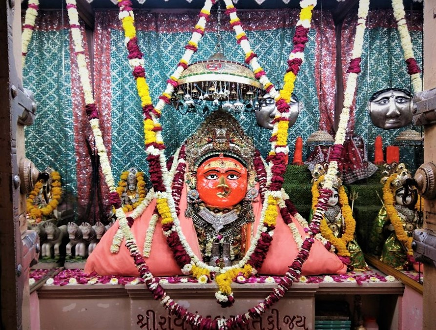Idol of Ravi Randal Mata, Devda