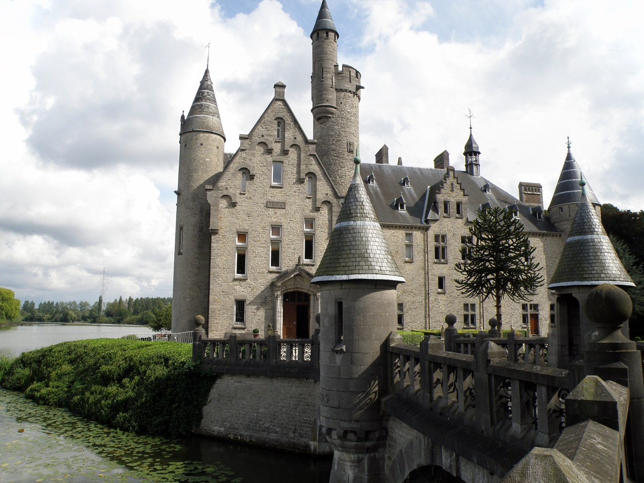 Castle Marnix