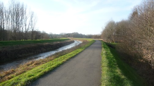 Cycle path along the river Dijle