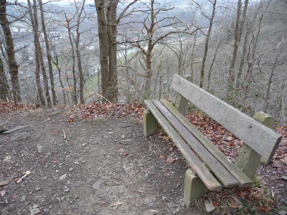 GR571-bench
