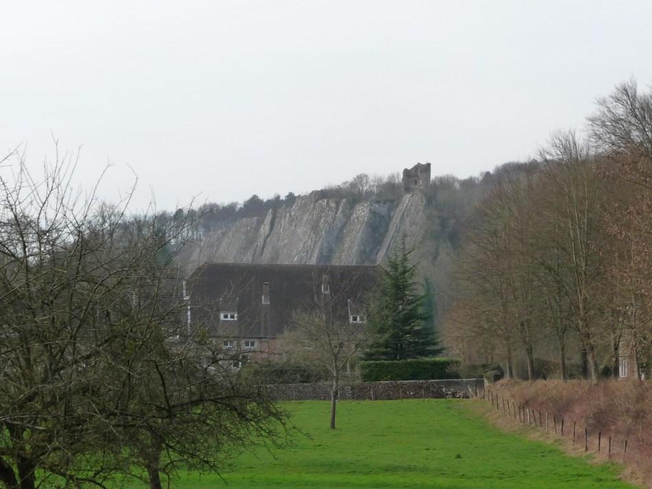 GR571-Chateau-Ambleve-close2