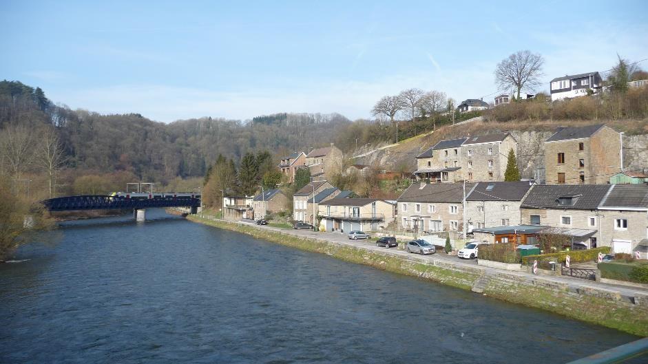 GR571-Comblain-au-Pont-bridge-view