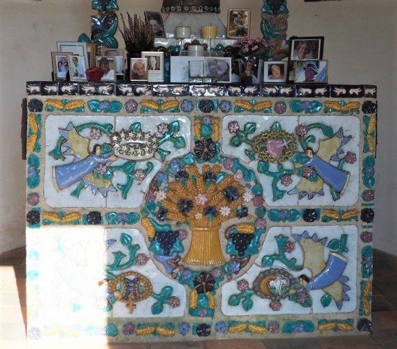 Gosin Chapel ceramics