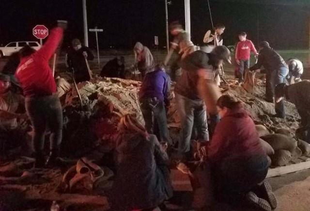 How to help after a natural disaster: sandbagging efforts during a disaster