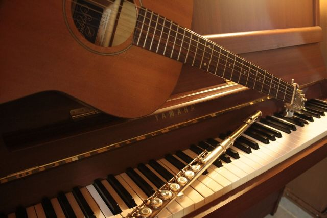 music lessons for kids, guitar, piano, or flute