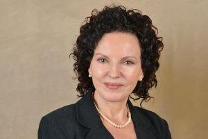 Ms Elizabeth Carriere