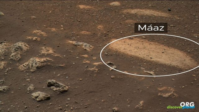 """A rock that has been named """"Maaz"""" on Mars"""