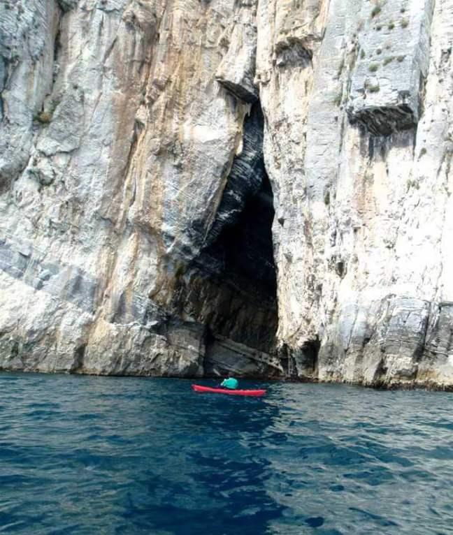 Grotta Azzurra, photo by Michele on kinmare.blogspot.it