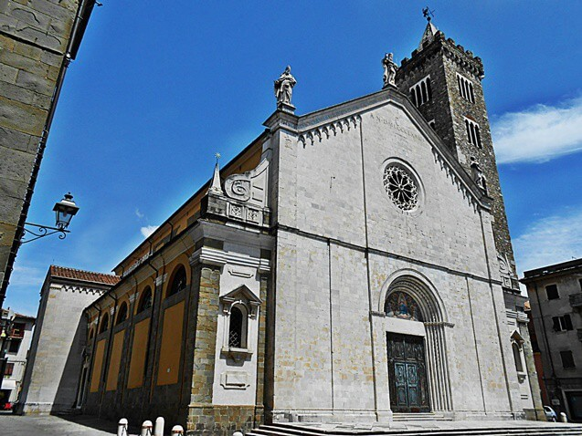 The Cathedral of Sarzana. Image by Tuscanycalling [CC BY-SA 3.0]