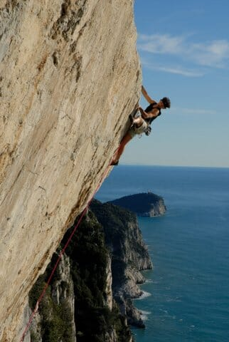 Rock climbing in Liguria: Muzzerone Cliffs in Portovenere