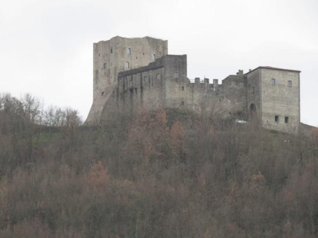 luni castello dell aquila