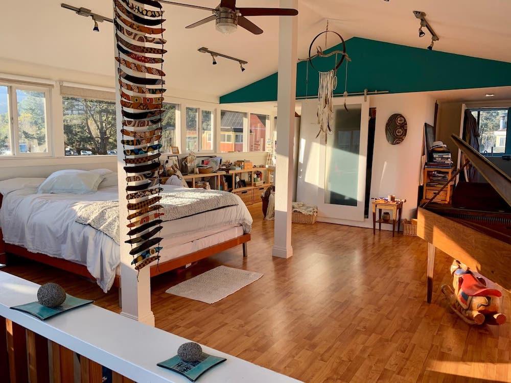 Sausalito Houseboats - Blue Pirate Bedroom