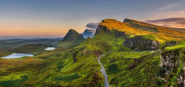 Travel Guide: Edinburgh, Scotland | Her Campus