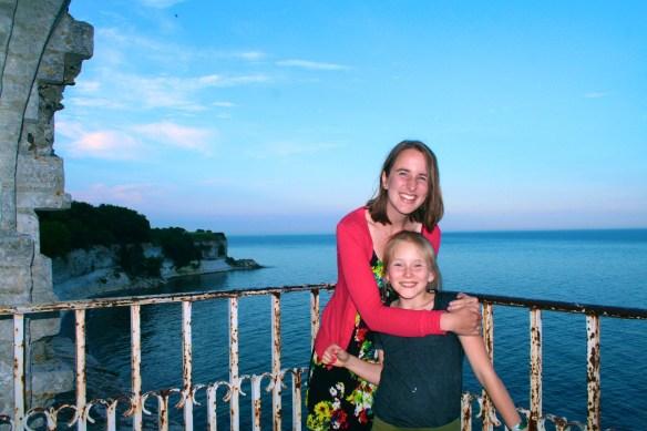 Anna + Emmie