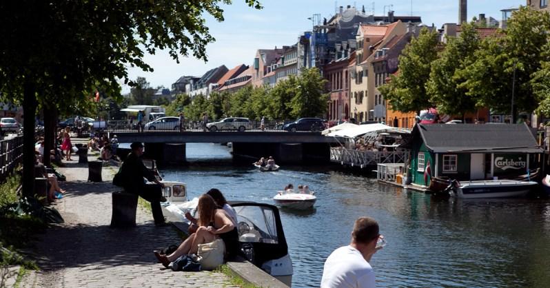 Neighborhood-Guide-Christianshavn-Denmark-Canal-Gazing