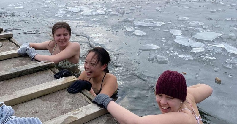 Embracing-the-Unexpected-and-Connecting-with-Swedish-Culture-Elisabeth-DIS-Stockholm-Spring-21-Ice-Bathing