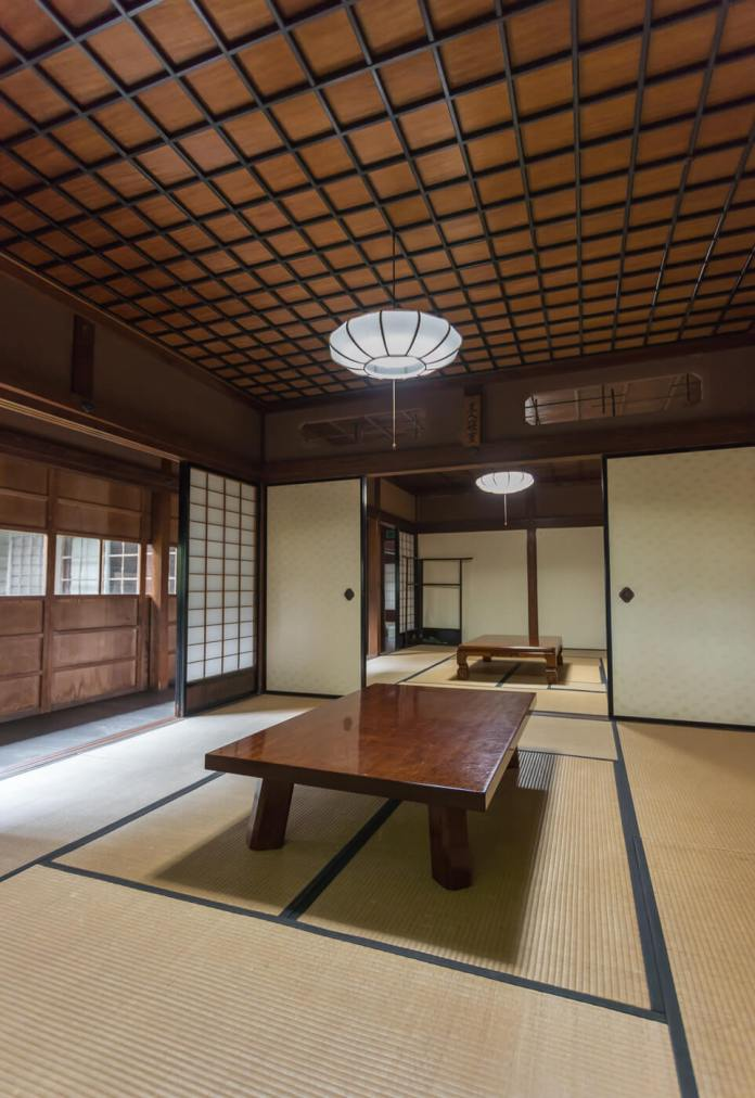 Tokeien is the branch of Watanabe's house with wooden tiled Japanese tiled-roofed building