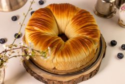 Sweet Wool Roll Bread with Blueberry Filling