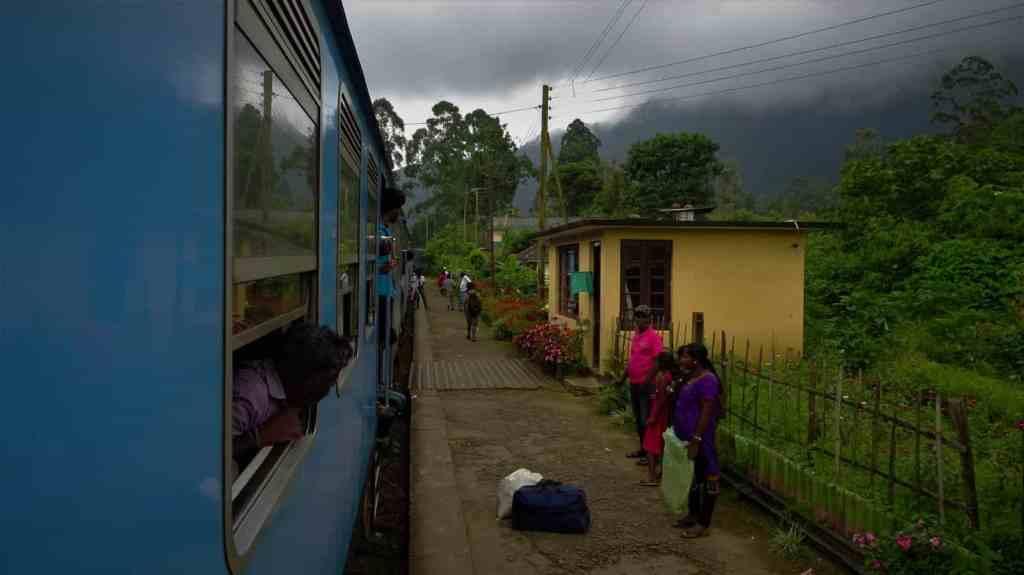 Train Ella Kandy station4