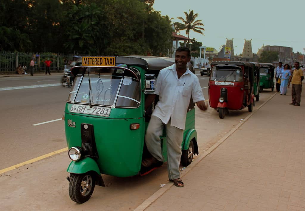 Transportation in Sri Lanka- Rent a metered tuk tuk