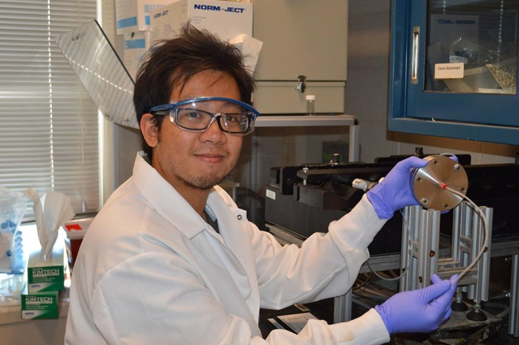 'Jack' Hoang Lu researches nanoparticles for drug delivery
