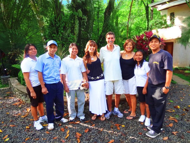 Manuela, Roberto, Juan, Sabrina, Evelyn & David (owners), Xiomara and Cesar