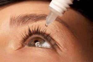eye drops in eye