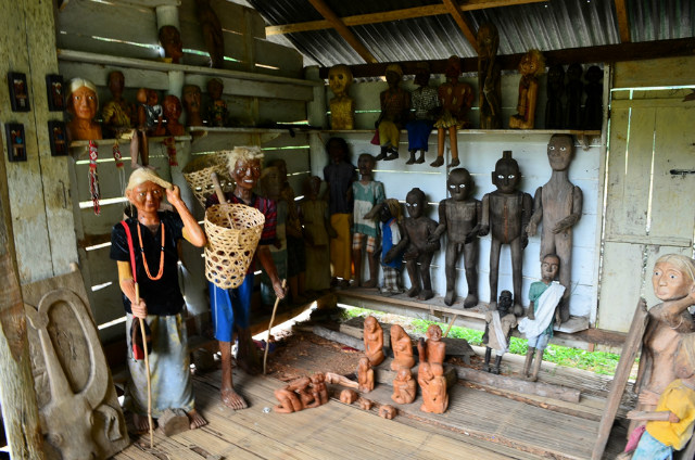 Art shop tana toraja trip