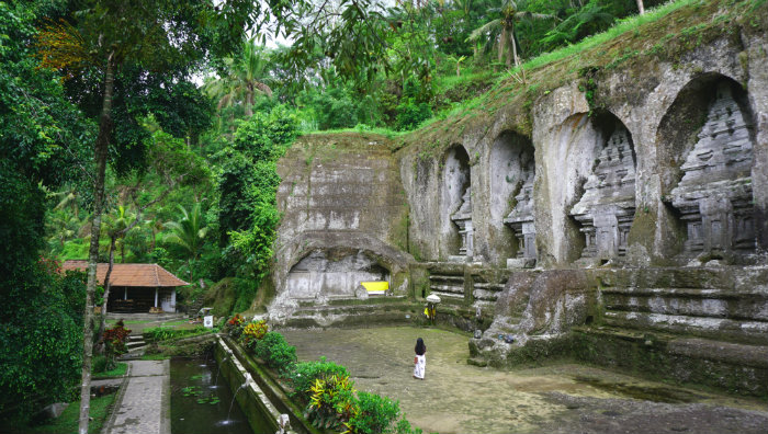 The five funeral monuments carved into the cliff face tower are each 8 meters tall.