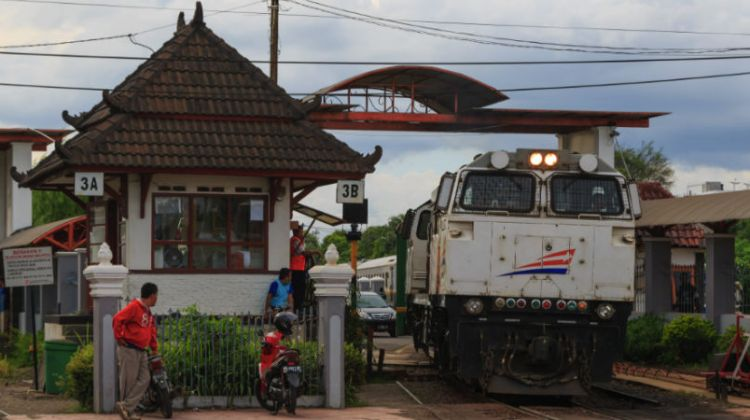 Jakart to Yogyakarta, Tugu Station