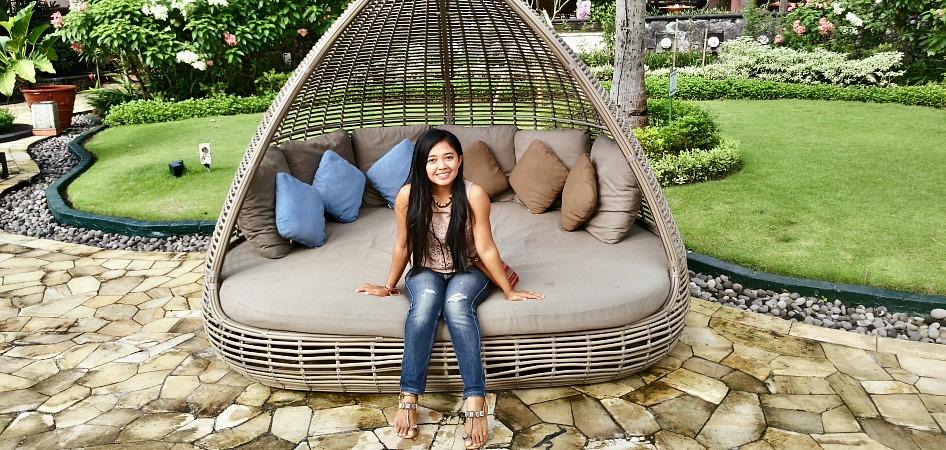 Chair Lift Rental Review: Shangri-La Hotel Surabaya - Discover Your Indonesia