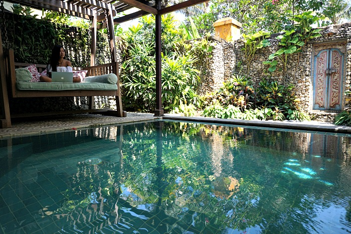 Private pool of Dedari suite