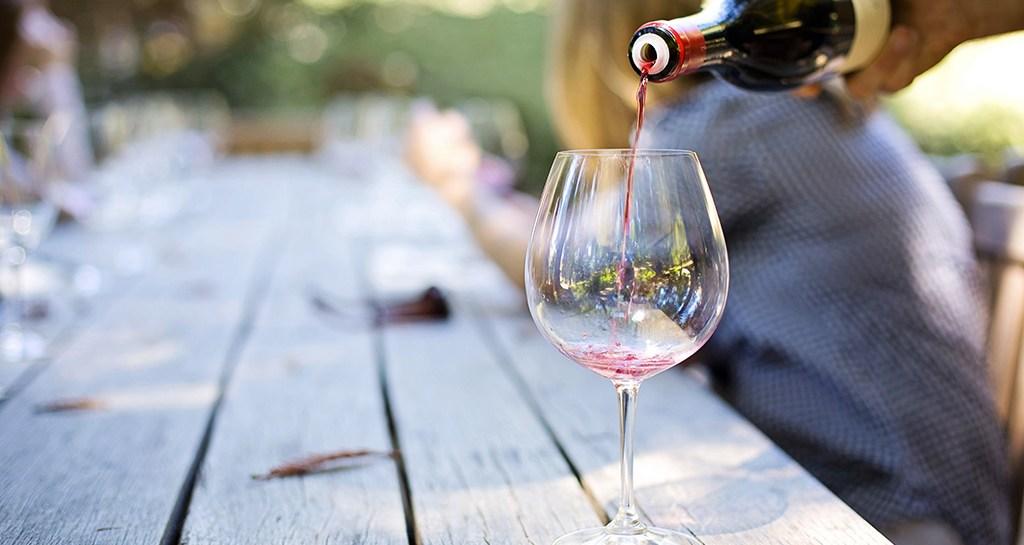 Versa il vino!… Eccellente Marzimino .-
