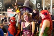 Spiderman Gandalf Harley Quinn Batgirl et Poison Ivy