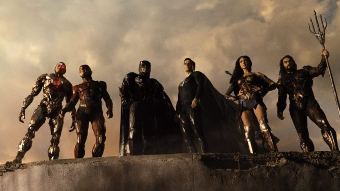 All 6 members of the Justice League stand together with the new black suit Superman as seen in ZACK SNYDER'S JUSTICE LEAGUE, coming in at number 7 in our DCEU ranking from worst to best.