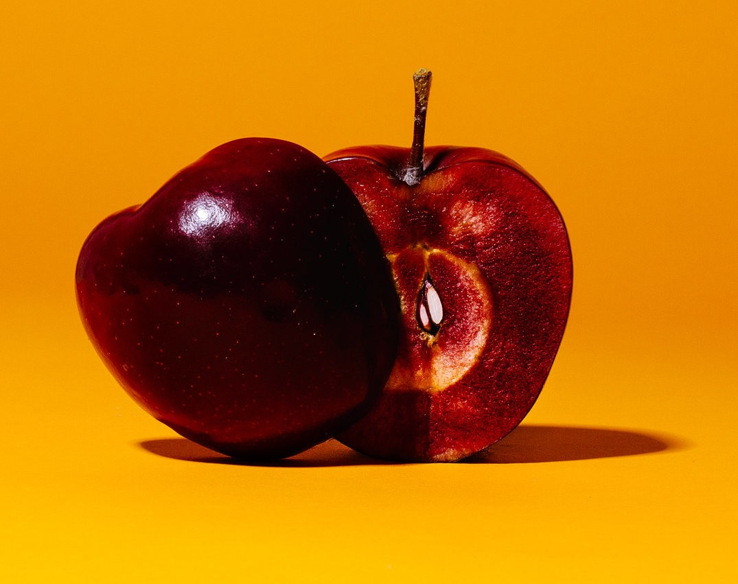 Beautiful apples from around the world