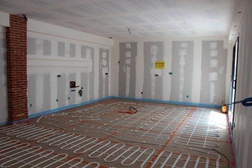 Dalle coulée + isolation posé pour plancher chauffant électrique