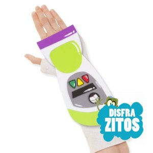 Complemento de goma eva para decorar las escayolas del brazo. Conviértela en la armadura del persona de Toy Story, Buzz Lightyear