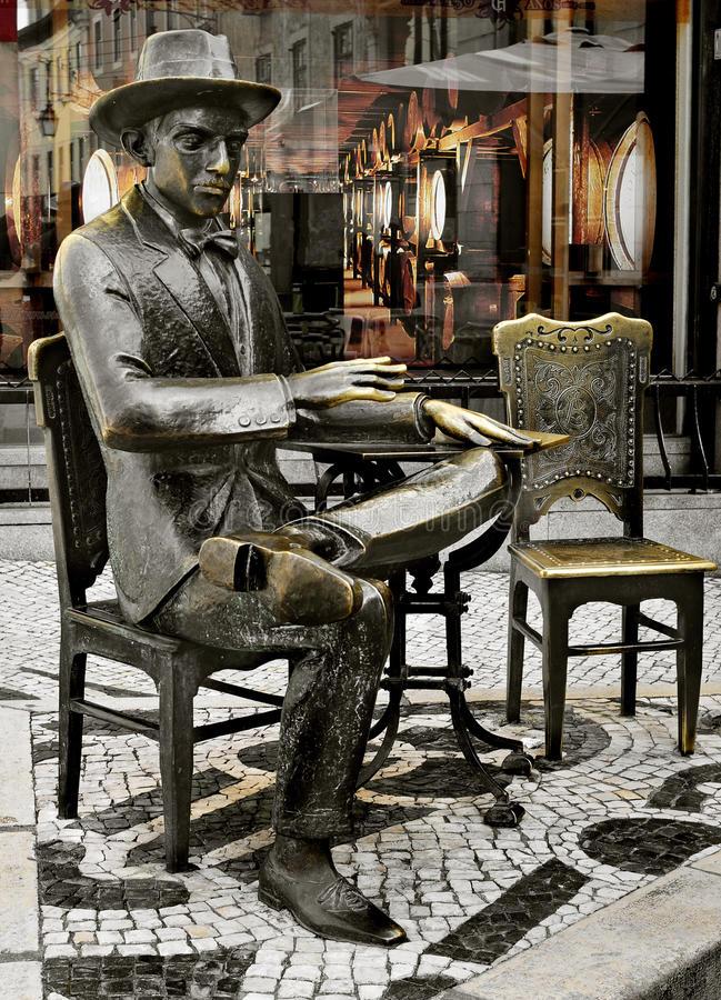 Estatua Pessoa Lisboa