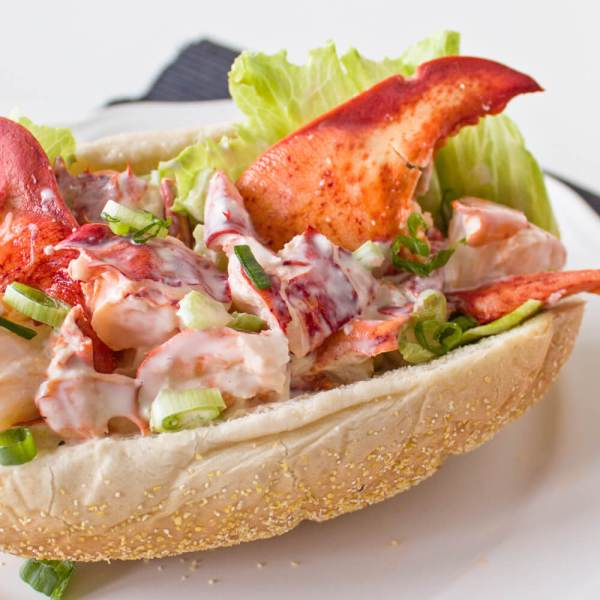Lobster Roll Recipe – An Atlantic Canadian Favorite!