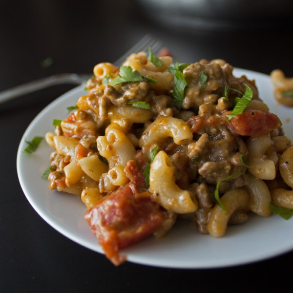 Cheeseburger Macaroni – Homemade Hamburger Helper Copycat Recipe